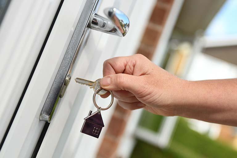 sleutel op de deur woning